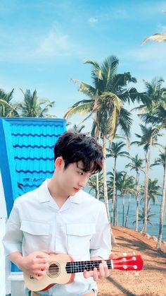 #WayV #Winwin #Ukulele Taeyong, Jaehyun, Nct 127, Beijing, Nct Winwin, Boy Photography Poses, Light Of My Life, Boyfriend Material, Nct Dream