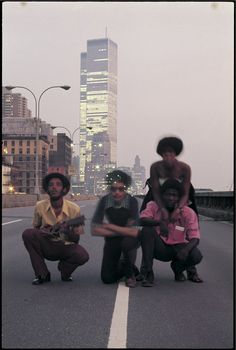 Augustus Pablo and friends in New York City (abandoned West Side Highway and World Trade Center), 1975 Photo: Ted Bafaloukos From Vogue: The Golden Age of Reggae: An Archival Romp With Roots Pioneer Patricia Chin Vintage Photography, Film Photography, Street Photography, Travel Photography, World Trade Center, Paris Texas, Le Vent Se Leve, 70s Aesthetic, Usa Tumblr