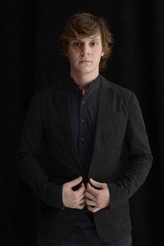 evan peters photoshoot 2013 - Buscar con Google