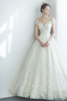 Classic Wedding Dress, Country Wedding Dresses, Black Wedding Dresses, Princess Wedding Dresses, Bridal Dresses, Wedding Gowns, Boho Wedding, Ball Gowns Fantasy, Style Feminin