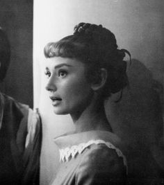 Audrey Hepburn War and Peace 1955 British Actresses, Actors & Actresses, Carlo Ponti, Henry Fonda, Fair Lady, Old Hollywood, Classic Hollywood, Happy Girls, Audrey Hepburn