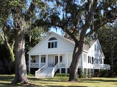 Point Clear, Alabama home to gorgeous homes and exquisite sunsets