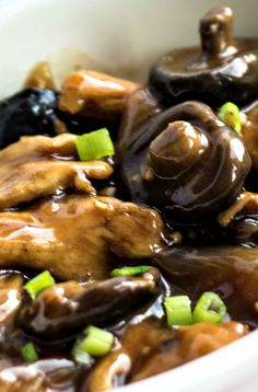 Chicken with Chinese Mushrooms Recipe ~ Says: is so good and so authentic, your guests will think it came from a Chinese restaurant! RP by Splashtablet iPad Case for Suction Mount in Kitchen to Flat surfaces.  On Amazon. See Nice Reviews. Winter Sale Now.  Follow for Fun Stuff.