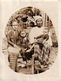 Burmese family in 1920c .
