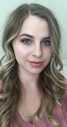 2 layers pink champagne 1 layer bombshell w/glossy gloss Coral Lipstick, Lipstick Queen, Pink Lips, Diy Beauty Care, Beauty Hacks, Beauty Makeup, Hair Makeup, Hair Beauty, Lipsense Pinks