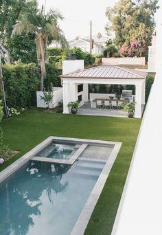 Backyard Pool Landscaping, Backyard Pool Designs, Small Backyard Pools, Small Pools, Swimming Pools Backyard, Swimming Pool Designs, Patio Design, Outdoor Pool, Landscaping Tips