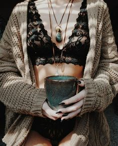 The Lunar Witch aesthetic fashion The Lunar Witch - Mood ☕🍂🍁 Insta // lunreye Witch Aesthetic, Aesthetic Fashion, Aesthetic Clothes, Cozy Aesthetic, Aesthetic Dark, Aesthetic Bedroom, Modern Witch Fashion, Boho Fashion, Fashion Outfits