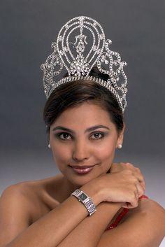 miss universe 2000 Lara Dutta!  #missindia
