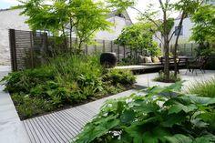 Vlaamse tuinaannemer 2019 78 ideas of modern garden fence designs for summer ideas Garden Shrubs, Diy Garden, Garden Beds, Garden Landscaping, Sleepers Garden, Garden Types, Landscaping Ideas, Back Gardens, Small Gardens