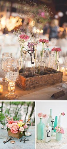 Decoracion de boda con llaves vintage y botellas