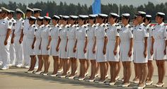 US Navy Uniforms for Females | Frauen in Uniform / Girls in uniform + Join Group
