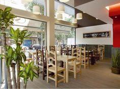 Mobiliario a medida para cadena de restaurantes La Naturale