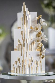 Modern white wedding cake with gold architectural details. WedLuxe House of Mirrors Square Wedding Cakes, Wedding Cakes With Cupcakes, Elegant Wedding Cakes, Beautiful Wedding Cakes, Wedding Cake Designs, Wedding Cake Toppers, Beautiful Cakes, Rustic Wedding, Luxe Wedding