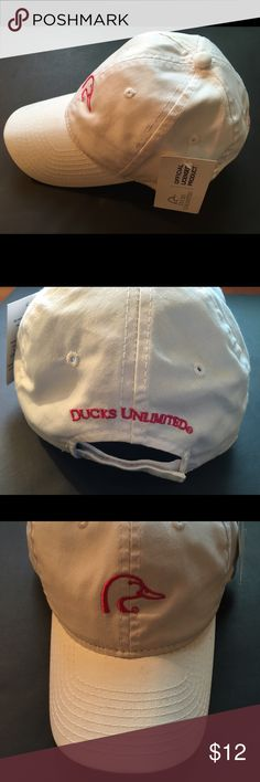 Duck's Unlimited Cap Women's Ducks Unlimited Cap White/Pink One Size Fits Most - new with a tag. Duck's Unlimited Accessories Hats