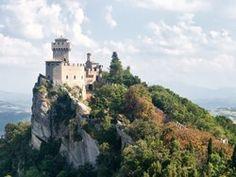 Centro Vacanze San Marino is een familiecamping gelegen in het ministaatje San Marino. Een mooie terassencamping met ruime kampeerplaatsen en een prachtig uitzicht over de omgeving.