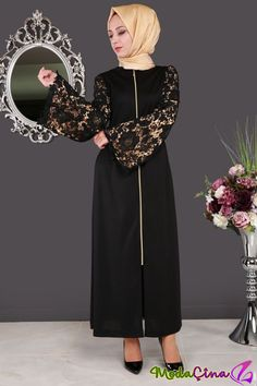 Abaya Fashion, Fashion Outfits, Womens Fashion, Hijab Abaya, Moslem Fashion, Hijab Fashionista, Muslim Women, The Dress, Indiana