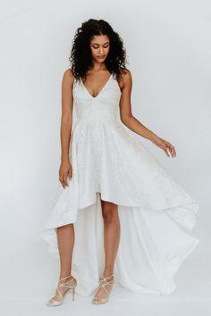 Hi Low Wedding Dress, Wedding Sundress, Rustic Wedding Dresses, Wedding Dresses Plus Size, Elegant Wedding Dress, Tulle Wedding, Wedding Ideas, Formal Dresses, Trumpet Gown