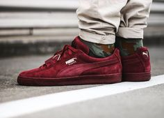 Snipes x Puma Suede Classic 'Epic Snake' - 2015 (by Clean and care for your sneakers with shoe trees by Sole Trees Puma Suede Outfit, Puma Sneakers Suede, Puma Outfit, Converse Sneaker, Sneakers Mode, Best Sneakers, Sneakers Fashion, Fashion Shoes, Suede Outfits