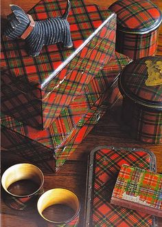 Decorating With Tartan Plaid.Especially At Christmas - Eye For Design: Decorating With Tartan Plaid……Especially At Christmas - Scottish Plaid, Scottish Tartans, Scottish Decor, Scottish Kilts, Tweed, Tartan Fabric, Yorkshire, Gingham, Tartan Plaid