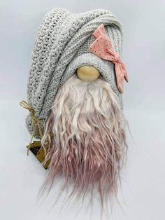 Christmas Crafts, Christmas Decorations, Fairy Crafts, Scandinavian Gnomes, Fall Decor, Snowman, Crafts For Kids, Winter Hats, Crochet Hats