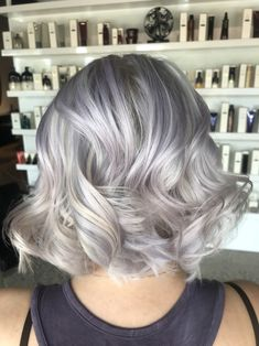 Silver and lilac hair color, bob, curls Lilac Hair, Amanda, Curls, Hair Color, Bob, Hair Beauty, Long Hair Styles, Silver, Haircolor