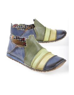 Rovers 'Ulinka', blue coloured - Slipper - Deerberg sure are appealing, although stitching the extra colors would be time-consuming