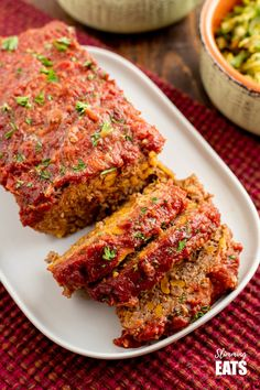 Beef and Sweet Potato meatloaf topped with a Tomato-Maple glaze - a recipe the entire family will enjoy! Gluten free, Dairy Free, Paleo, Slimming World and Weight Watchers friendly Healthy Prawn Recipes, Healthy Food List, Diet Recipes, Healthy Snacks, Healthy Eating, Recipies, Slimming Eats, Slimming World Recipes, Rezepte