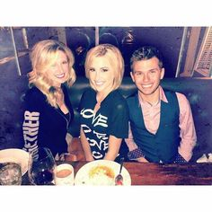 Lindsie , Savannah And Chase Chrisley ...