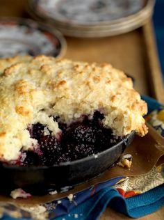 blackberry farm cobbler // I need more cobbler in my life!