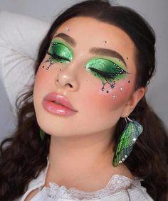 Edgy Makeup, Makeup Eye Looks, Eye Makeup Art, Crazy Makeup, Pretty Makeup, Skin Makeup, Eyeshadow Makeup, Dope Makeup, Green Eyeshadow