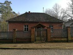 Dawna psiarnia częścią Muzeum Stutthof  Przez długi czas była mieszkaniem komunalnym. Teraz Muzeum Stutthof, we współpracy z Gminą Sztutowo, włącza ją w swoje struktury. Dawna obozowa psiarnia pełnić będzie nową funkcję