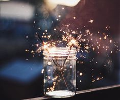 Wunderkerzen // - silvester // new years eve - Wallpaper Pretty Pictures, Cool Photos, Foto Art, Jolie Photo, Sparklers, Art Photography, Photography Lighting, Fireworks Photography, Sparkler Photography