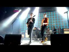 Franz Ferdinand - Take Me Out (Live Reading Festival 2004) - YouTube