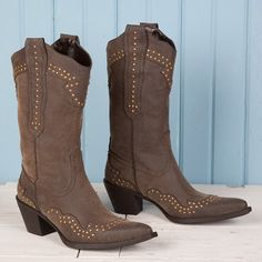 Roper Ladies Brown Studded Wingtip Boots- Simple and cute!