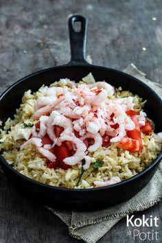 Riisiä tulee usein keitettyä aivan liikaa. Joskin nykyisin keitämme sitä usein tahallaan liikaa, sillä paistettu riisi on aivan maht...