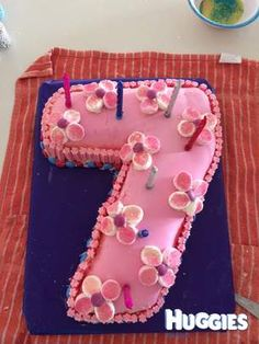 Hula girl cake My Cakes Pinterest
