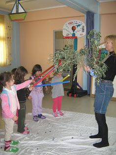 vasilikisblog-----3o Nipiagwgeio Diavatwn: ΕΛΙΑ Olive Tree, Kindergarten, Diy Crafts, Activities, Facebook, School, Plants, Summer, Blue Prints