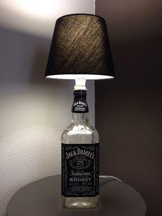 Lamp gemaakt van Jack Daniels fles