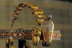 Diadem of Tutankhamun - detail Inlaid Diadem with Vulture and Cobra - Gold, glass, obsidian, carnelian, malachite, chalcedony, lapis lazuli Dynasty 18, reign of Tutankhamun (1332–1323 B.C.) Thebes, Valley of the Kings, tomb of Tutankhamun