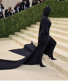 Hugh Dancy, Keke Palmer, Anna Wintour, Thom Browne, Stella Mccartney, Paper Magazine, Versace, Met Gala Outfits, Celebrity Style