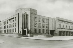 Nottingham's art deco Central Police Station opened on the corner of North Church Street and Shakespeare Street in Police Station, Train Station, Local History, Family History, Nottingham City, Good Old Times, Water Crafts, Old Photos, Past