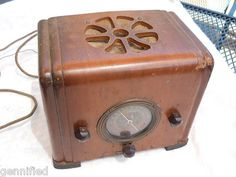 Eagle Antique Wood Tube Radio Trans Oceanic Majestic,Small Tabletop