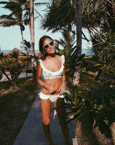 @lizzyvdligt in the St. Tropez Ruffle Set