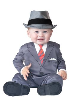 Look at this little guy's suit!