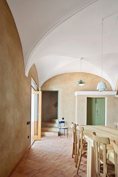 Casa Rural VB is a minimalist residence located in Badajoz, Spain, designed by Lucas y Hernández-Gil Small Swimming Pools, Small Pools, Home Design, Interior Design, Interior Styling, Café Theatre, Load Bearing Wall, Spanish Towns, Two Storey House