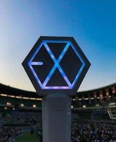 EXO lightstick g Lightstick Exo, Kpop Exo, Exo Kai, Vaporwave, Kyungsoo, Chanyeol, Exo Concert, Exo Official, Exo Lockscreen