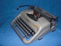 Mechanische Schreibmaschine Voss mechanical von nostalgiehauscom