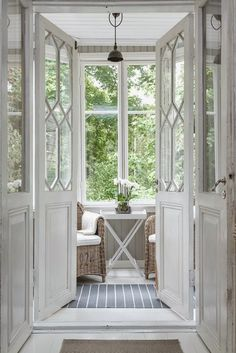 Wouldn't this be a lovely place to sit off the bedroom <3