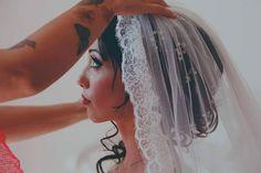 #Beyouty #Wedding Poi arriva il momento tanto atteso quello più delicato di tutti. Quel tocco di eleganza sul capo della sposa un aspetto importante e raffinato. La #BeyoutyBride di oggi ha optato per un velo a mantiglia e lei è la bellissima Giusy.  Photo credit_ Luca Marrone www.beyouty.me #VitaDaLookmaker #Beyouty #weddingmakeup #weddingdress #weddings #brides #mua #weddinghair #makeupartist #love #igsalerno #vivasalerno #salerno_lacitta #salifornia #amalficoast #look #style #fashion…