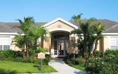 Noah's Landing Apartments - Naples - Noahs Landing Apartments Clubhouse Entrance